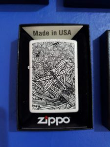 Title: DRAGONFLYS, LOVE IS IN THE AIR                                                                          - Artist: JOHN SMITH GUMBULA                                                                                      (2019/ZIPPO LIGHTER USA)